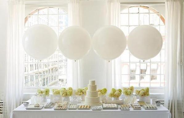balony na stole